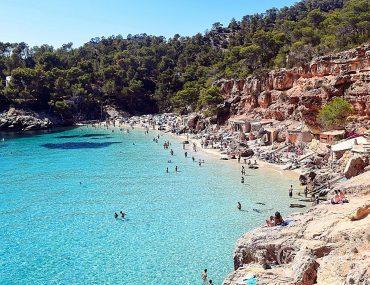 Cala Salada. Playas y calas en Ibiza