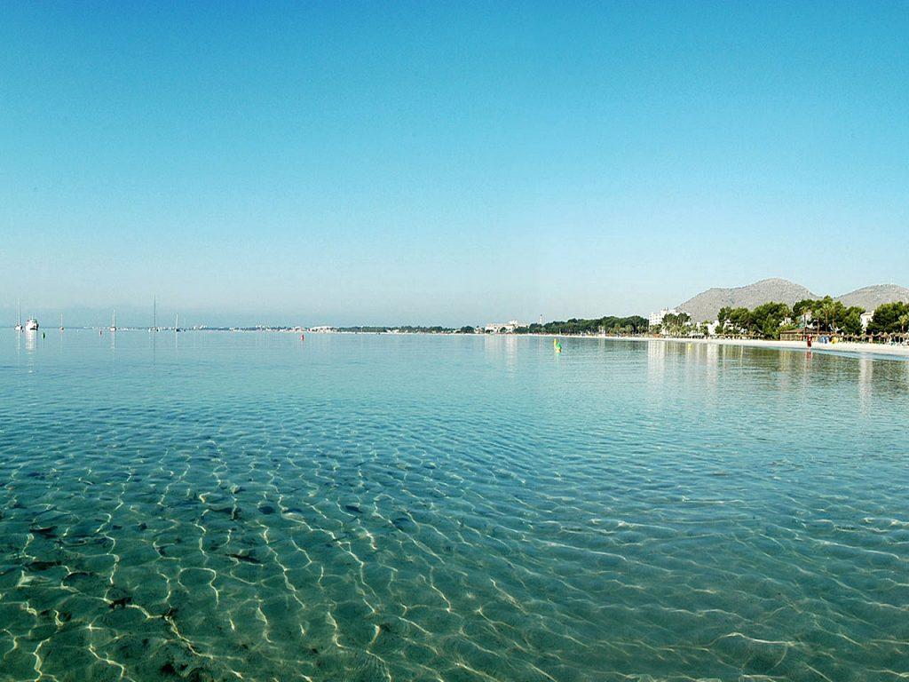 Spaincoast iberiaplayas portal vells playas en mallorca - Piscina coberta l alcudia ...